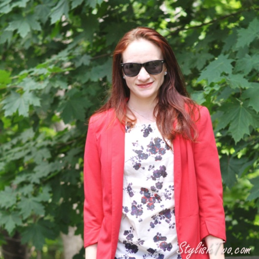 How to wear a red statement blazer